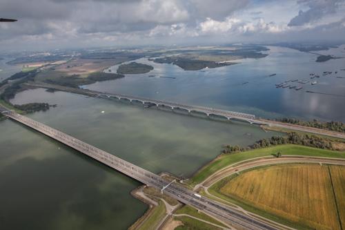 Moerdijkbruggen Moerdijk