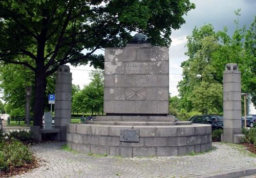 Memorial Fallen Artillery Regiments 30 and 35