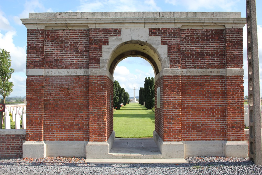 Commonwealth  War Cemetery Nine Elms