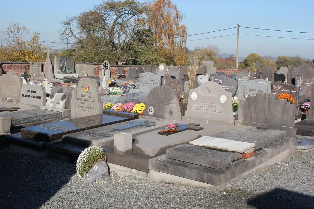 Graven Oudstrijders Saint-Sauveur