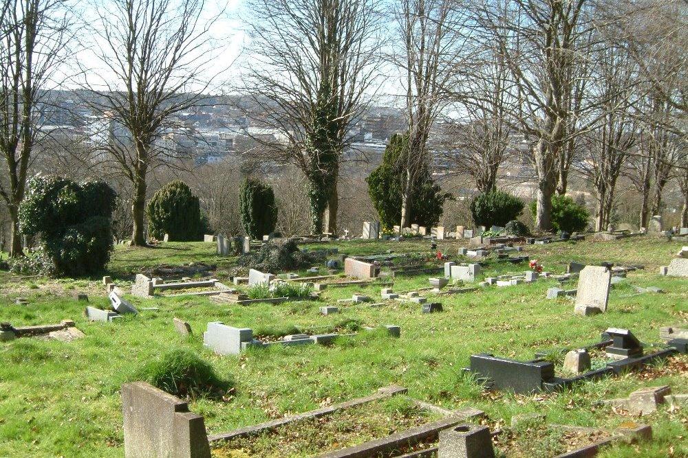 Commonwealth War Graves Luton Church Burial Ground