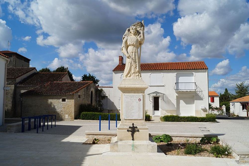 War Memorial Sainte-Radégonde-des-Noyers