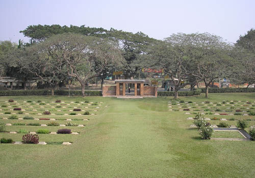 Commonwealth War Cemetery Maynamati