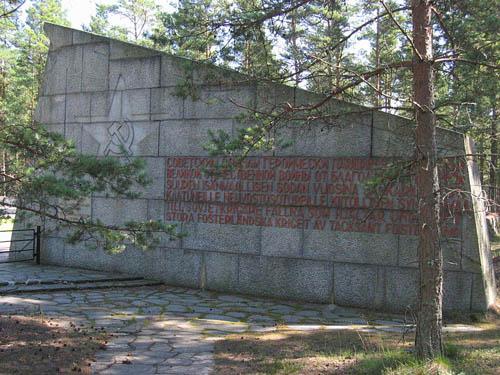 Soviet War Cemetery Täktom