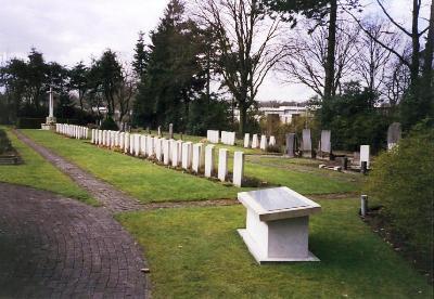 Commonwealth War Graves General Cemetery Gilzerbaan