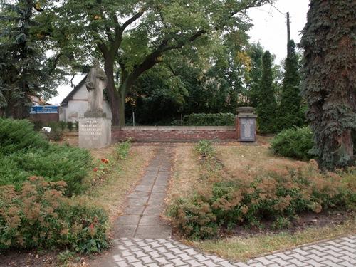 War Memorial Mochov