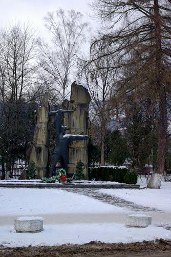 Massagraf Sovjet Soldaten & Partizanen Yaremche