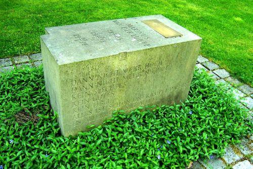 Monument Marinus van der Lubbe