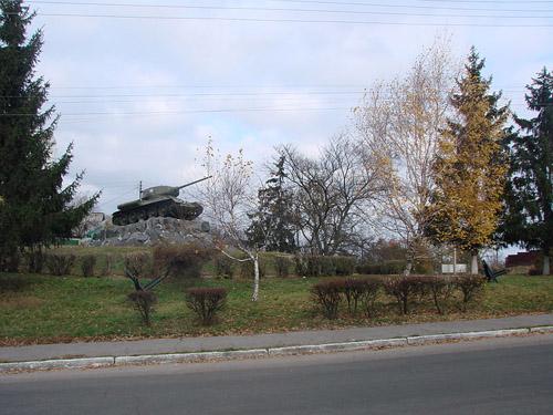 Bevrijdingsmonument (T-34/85 Tank) Fastiv