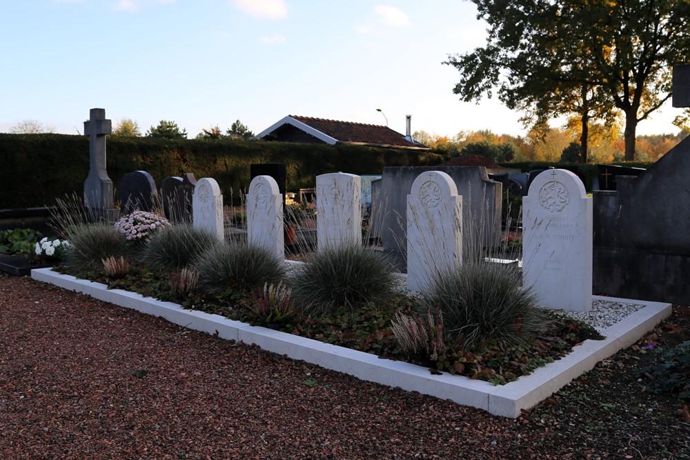 Nederlandse Oorlogsgraven Rooms Katholiek  Kerkhof Hout-Blerick