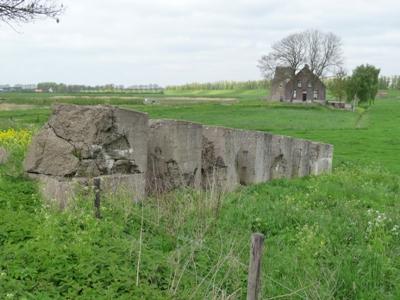 German Tank Barrier Lage Zwaluwe