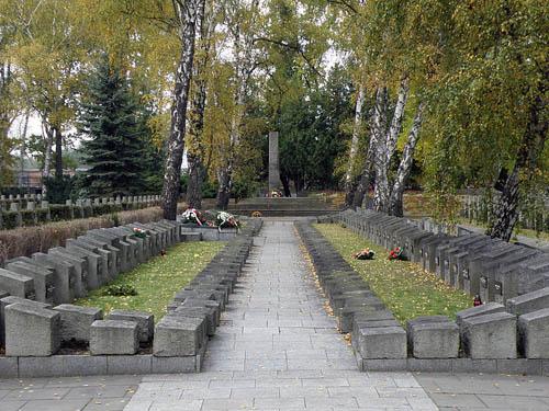 Graven Poolse Verzetsstrijders Cmentarz Wojskowy