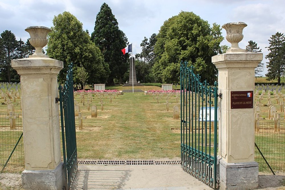 French War Cemetery Flavigny-le-Petit