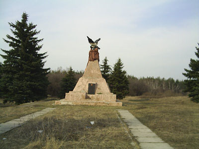 Massagraf Sovjet Soldaten Luhansk (B)