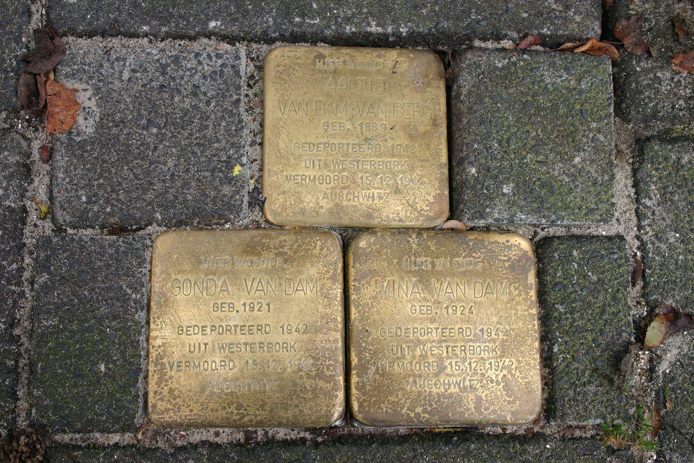 Stolpersteine Wassenberghstraat 2a