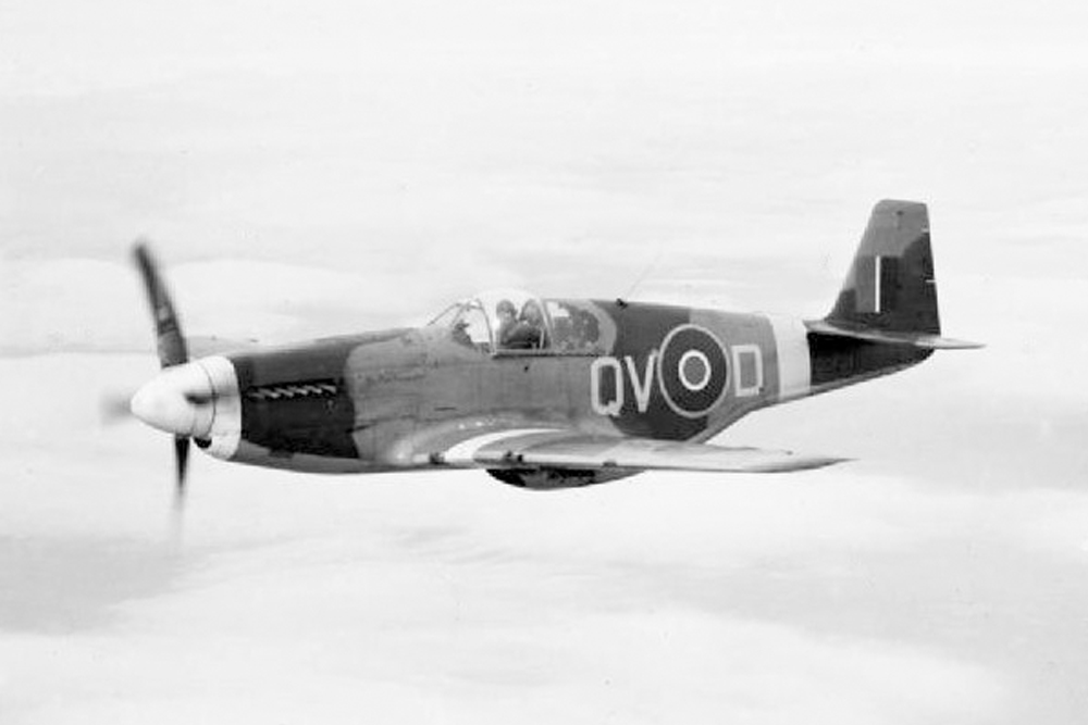 Crash SIte North American P-51 Mustang Mk III FX 925, code SZ-U