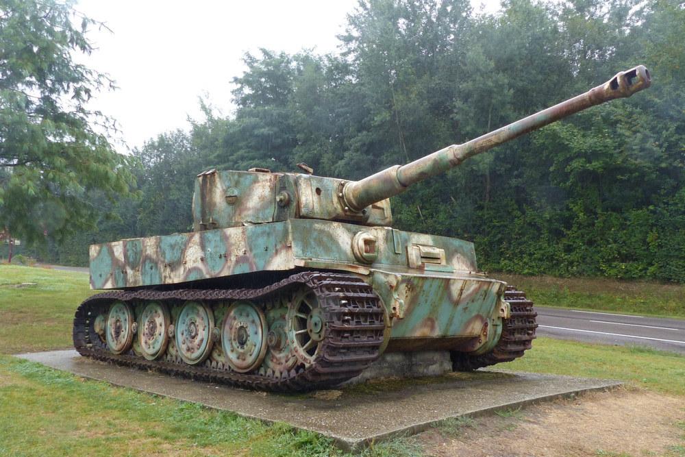 tiger i tank vimoutiers vimoutiers tracesofwar com