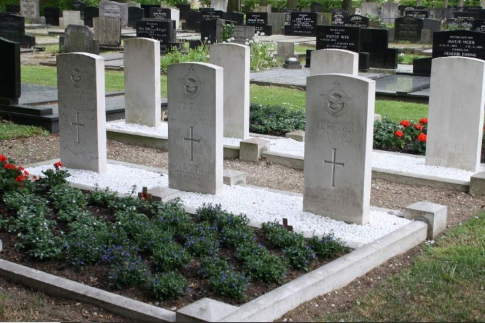Commonwealth War Graves Municipal Cemetery Gieten