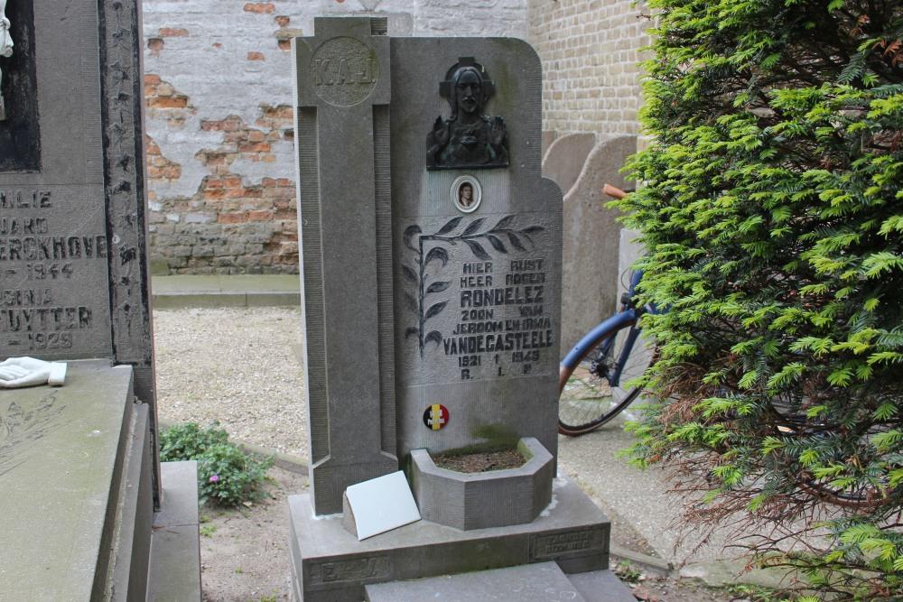 Grave Political Prisoner Zevekote