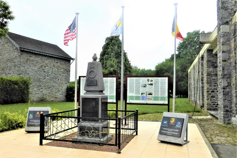Plaques commemorating 17th Airborne Division, 194th Glider Infantry Regiment and 550th Airborne Infantry Battalion