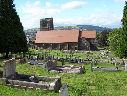 Commonwealth War Graves St Martin Churchyard