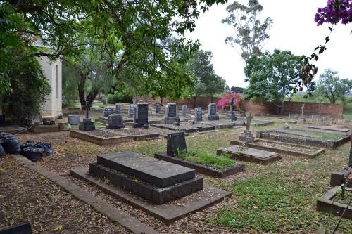 Commonwealth War Graves St. Luke's Churchyard