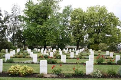 Oorlogsbegraafplaats van het Gemenebest Albury