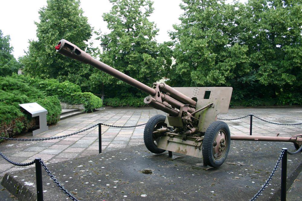 76 mm Kanon ZIS-3 Model 1942