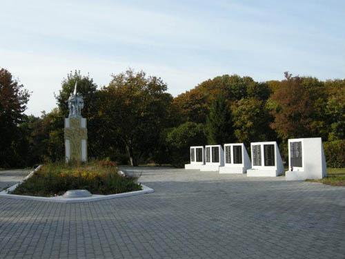 Sovjet Oorlogsbegraafplaats Baltiejsk
