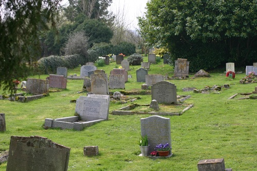Commonwealth War Grave St Margaret Churchyard