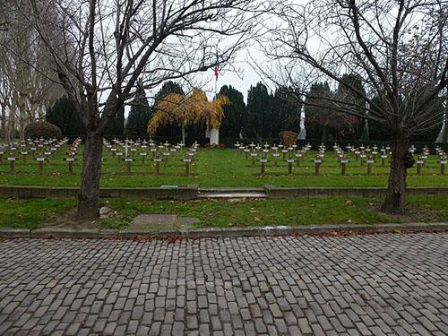 War Graves Cimetière Parisien de Saint-Ouen