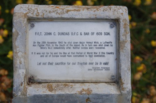 Memorial F/LT John C Dundas (Spitfire I - X4586)