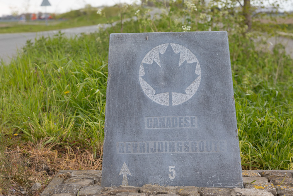 Wegmarkering nr. 5 Canadese Bevrijdingsroute