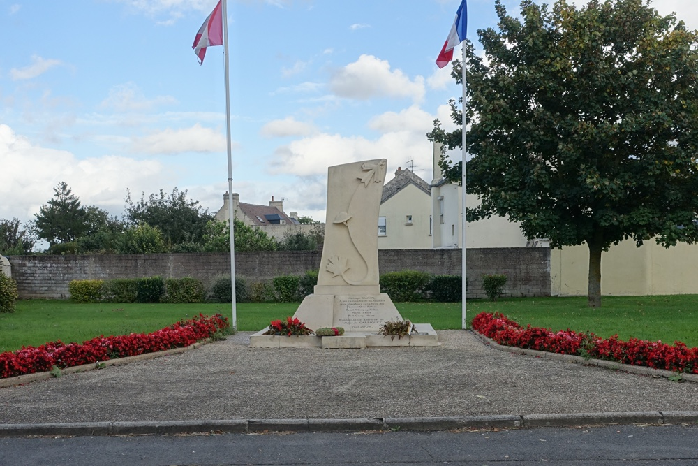 Canadees Monument Carpiquet