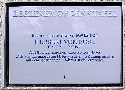 Plaque Herbert von Bose