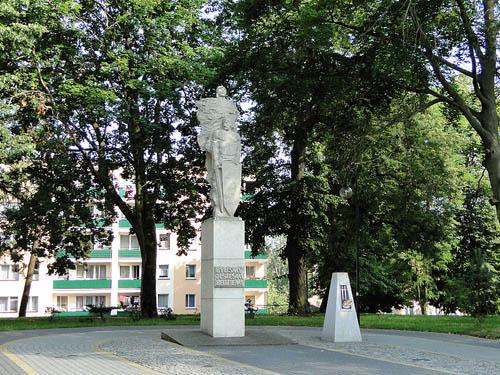 Liberation Memorial & Mass Grave Soviet Soldiers Lobez