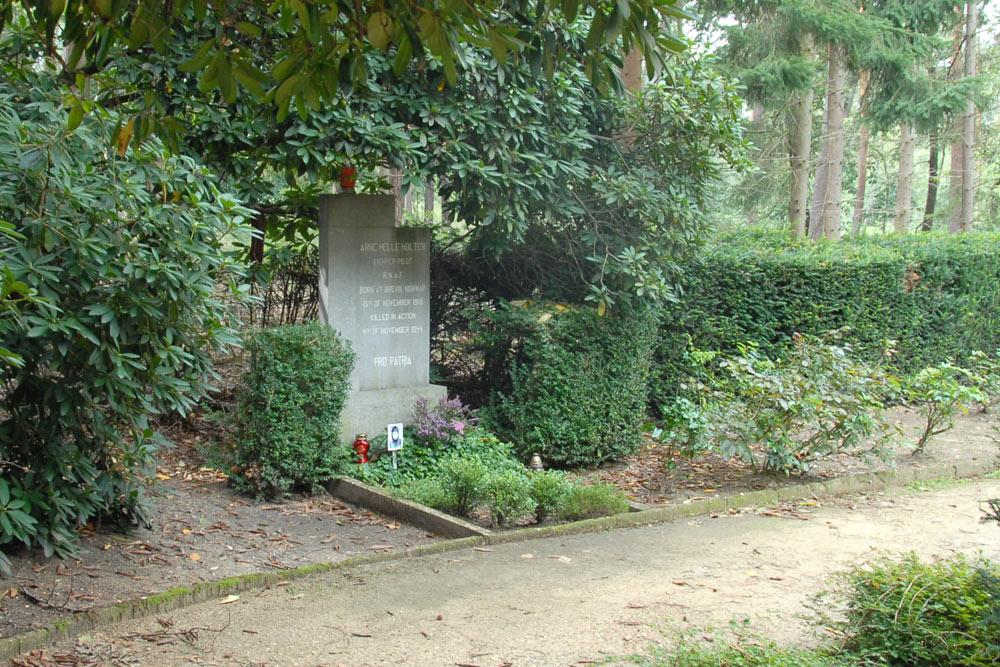 Noors Oorlogsgraf Kerkhof Klooster St. Ludwig Vlodrop