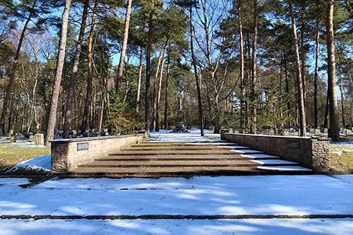 Sovjet Oorlogsbegraafplaats Roßlau