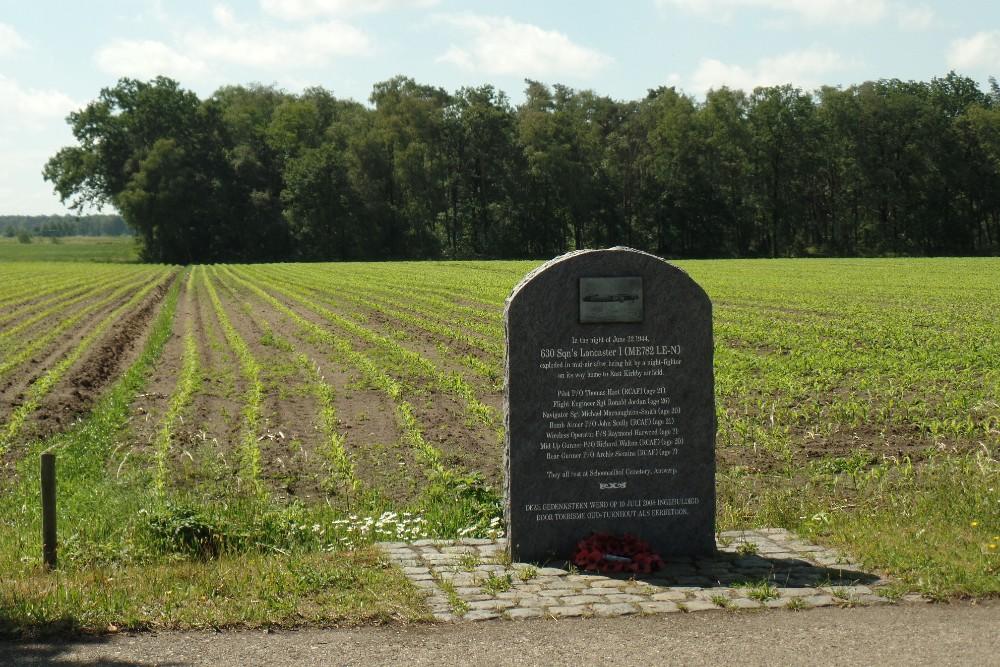 Memorial Crashed Lancaster 1ME782 LE-N