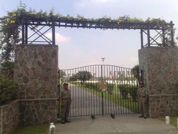 Oorlogsgraf van het Gemenebest Nederlandse Oorlogsbegraafplaats Kembang Kuning