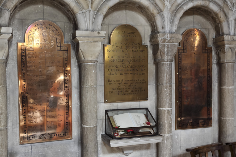 Plaques & Remembrance Windows World Wars Norwich Cathedral