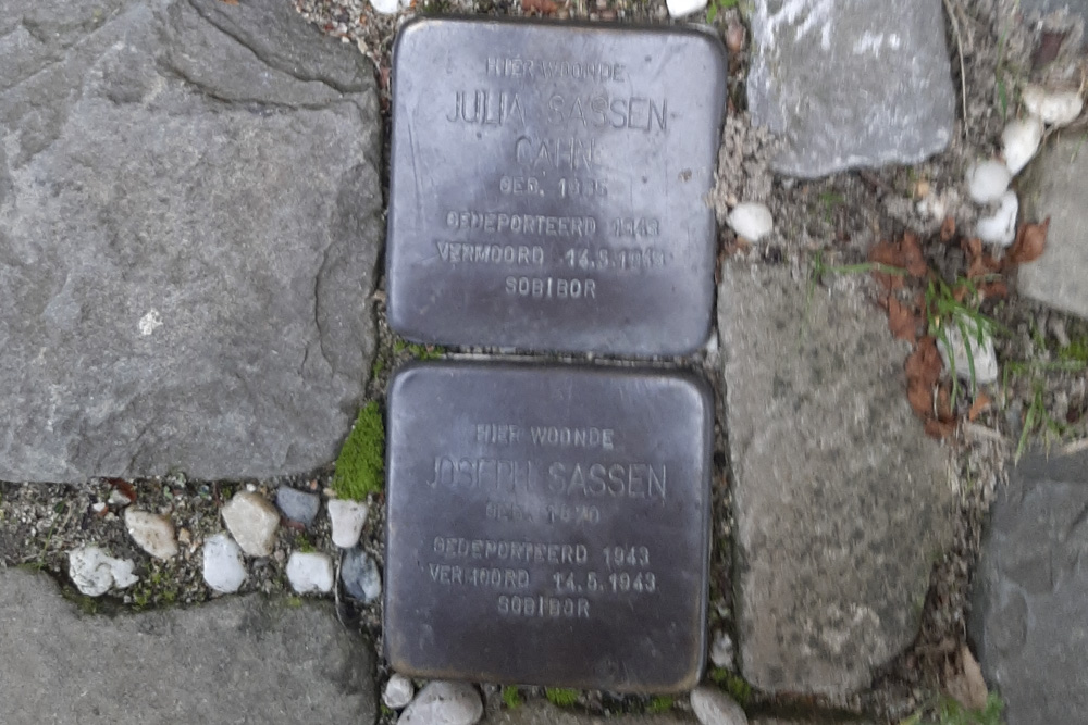 Stumbling Stones Molenweg 56
