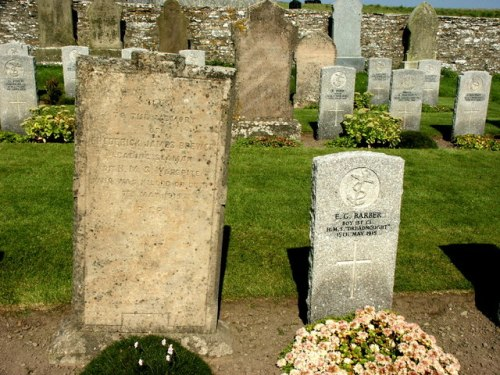 Commonwealth War Graves Osmondwall Cemetery