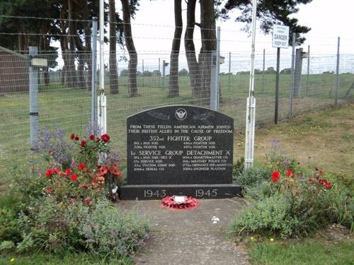 Monument 352nd Fighter Group