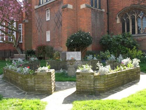 War Memorial St Luke's Church