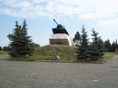 Liberation Memorial (IS-2 Heavy Tank) Dubno