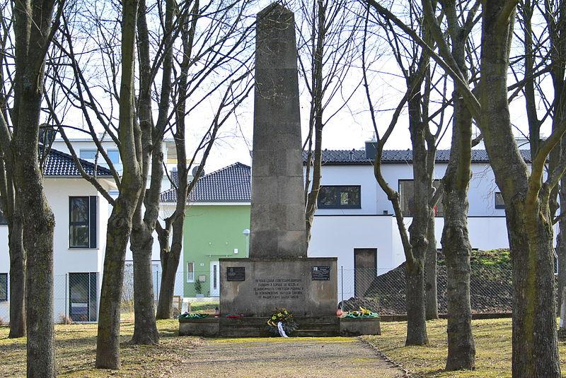 Sovjet Oorlogsbegraafplaats Mistelbach
