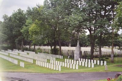 Oorlogsgraven van het Gemenebest Mount Royal Cemetery
