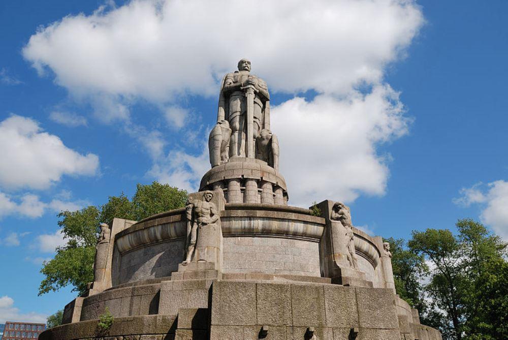 Bismarck-monument Hamburg