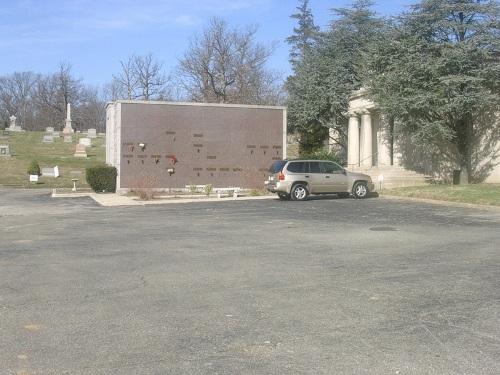 Commonwealth War Graves Lorraine Park Cemetery